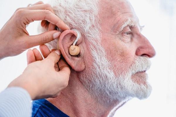 ارتباط بین واکسن کووید 19 و ناشنوایی عصبی